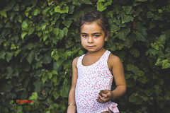 Picnic day (Juan Carlos Calvente) Tags: portrait plants plant girl children kid cookie child little small portraiture swimwear chidhood