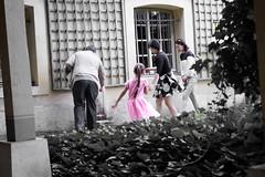 Pink Princess (LittleAffenbaby) Tags: park street travel family people streetart paris girl kids children colorful colours sony sightseeing streetphotography run sights aroundtheworld szene sonyalpha sonyalpha58