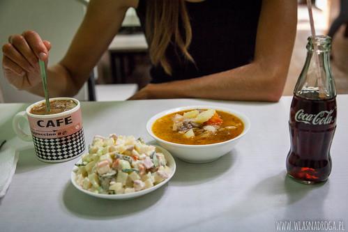 Mongolska zupa warzywna i sałatka
