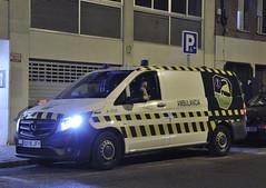 Prioritarios azules en la nuev Mercedes Vito de Vitalia (juanemergencias) Tags: