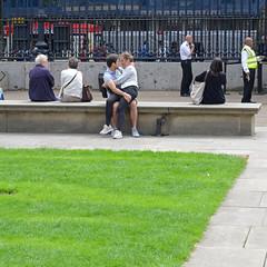 LONDON 01 336 copia (Cazador de imgenes) Tags: inglaterra england woman london girl museum female donna mujer chica candid londres angleterre british museo londra ragazza reino unido inghilterra britnico