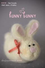 Coelho feltrado (Dani_Fressato) Tags: bunny artesanato craft felt feltro coelho trabalhomanual handmad danifressato
