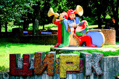 Lviv circus figures (Carsten Bartmann) Tags: lviv ukraine lvov ukraina ukrajina  ucraina lemberg    ucrnia  ukrayna  ucrana       welwowie