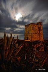 Torre de la Sal (Retratista de paisajes y paisanajes) Tags: espaa de mar agua andalucia bahia nubes nocturna nightphoto litoral bruma baha largaexposicin casares sabinillas torredelasal