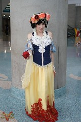 Comikaze 2015 (V Threepio) Tags: apple girl costume outfit geek cosplay posing disney snowwhite comicconvention unedited comikaze2015
