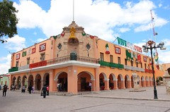 Beautiful Building at Main Square, Dolores Hidalgo, Mexico (Bencito the Traveller) Tags: building mexico doloreshidalgo mainsquare