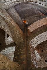 La grande cloche (flallier) Tags: underground limestone catacombs quarry cloche catacombes pilier carrière calcaire souterraine voûte échelles fontis consolidations