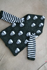 Baby Goth (pointypointysticks) Tags: baby halloween skulls hoodie drops knitting gothic goth knit dk knitted raglan cardigan seamless intarsia bottomup babygothknits