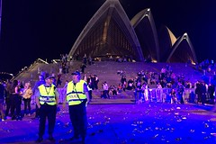 Aftermath (Pedestrian Photographer) Tags: fore court forecourt opera house concert crowded cans bottles police officers yellow vests blue light leaving exiting emptying crowd mess sydney oz australia november 2016 ribbet