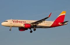 Iberia - Airbus A320-216/S EC-LVQ @ London Heathrow (Shaun Grist) Tags: eclvq ib iberiaexpress airbus a320 shaungrist lhr egll london londonheathrow heathrow airport aircraft aviation aeroplanes airline avgeek