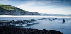 Amanece en la playa de itzurun (Zumaia) (P. Mendizabal) Tags: beach playa landscape paisaje mar sea nd neutraldensity flych acantilado cliff water sky nature densidadneutra color amanecer dawn airelibre
