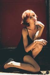 HTN - MI (175) (Monick Miranda Ibrahim) Tags: model ruiva beauty lights modern art actress beautiful magra perfect mkhtnproject photography design moda arte