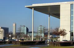 Im Regierungsviertel (Gertrud K.) Tags: berlin regierungsviertel centralrailwaystation