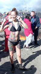 #1007 tattooed lady posing (Nemo's great uncle) Tags: tattoo 刺青 people enoshima 江ノ島 寒中神輿錬成大会 katasekaigan 片瀬海岸 片瀬東の浜 fujisawa 藤沢市 kanagawaprefecture 神奈川県