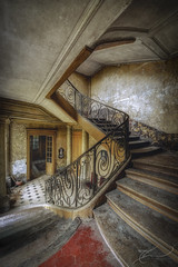 """l'escalier de travers"" (Thomas Junior Fotografie) Tags: rotten ruins exploration explorer exploring treppe szenery urban urbex ue urbaine italia old övergivna places place palast palazzo lost light lp luxemburg hdr germany forgotten forsaken forladten fairytale decay stairs sony abandoned abbandonata abandonné abadono alpha58 architecture alpha77 alpha77mii alpha abandonata abandonati abbandonare abbandonate"