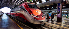 Frecciarossa (Miradortigre) Tags: frecciarossa tren train milano milan centrale central station estacion railway high speed