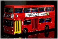 EFE 25710 : Daimler Fleetline DMS - London Transport (Zippy's Revenge) Tags: bus london scale model collectible daimler collectable fleetline londontransport diecast dms oogauge 176thscale dms1877 ghm877n