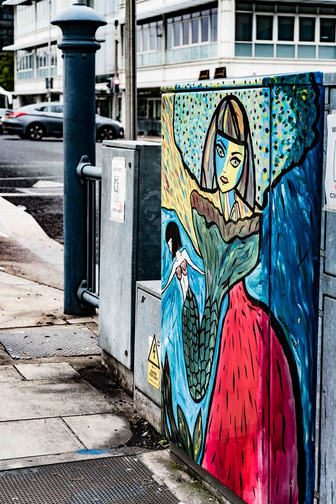 DUBLIN CANVAS STREET ART BY HANNA Mc. D [NEAR THE CONVENTION CENTRE]-109084