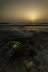 The Red sea during sunset (Je Jai) Tags: sunset red sea beach canon eos wave filter lee saudi arabia jeddah nisi 6d polarize gnd 09s