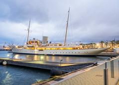 Nahlin (Luis Prez Contreras) Tags: port marina spain barco ship yacht vessel super olympus tarragona omd mega em1 tarraco yate nahlin