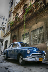 Cuba (42) (Polis Poliviou) Tags: auto voyage street travel art heritage classic cars beauty car america canon sketch automobile paint artistic painted havana cuba colonial pesos castro fidel revolution malecon vehicle caribbean che 1960s colourful oldcar habana vacations limousine ernesto polis cubana luxurycar autocar cypriot havanavieja cubanrevolution cubacar patriaomuerte quevara cubaautomobile poliviou cubaauto polispoliviou