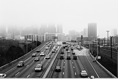 R4-006-1A (David Swift Photography Thanks for 21 million view) Tags: davidswiftphotography philadelphia schuylkillexpressway route76 fog cityscape cities roads traffic automobiles cars movingvehicles skylines