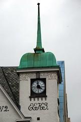 Reloj en Bergen (Noruega, 27-6-2008) (Juanje Orío) Tags: noruega bergen 2008 reloj patrimoniodelahumanidad whl0059 worldheritage norway norge europeanunion europa europe clock