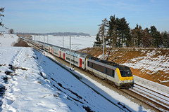 HLE 1345 + IC 2112 (Bruxelles-Midi 12:33 - Luxembourg 15:51), Natoye, 22nd January 2017 (cfl1969) Tags: natoye sncb alstom hle1345 nmbs hle13