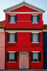 Fujiholics Venice (708 of 929) (Sue_Hutton) Tags: fujiholics fujiholicsvenice burano february2017 italy march2017 venice redhouse