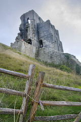 fenced in (Tony Shertila) Tags: 20161026144658 corfe corfecastle england gbr geo:lat=5063990844 geo:lon=205922305 geotagged unitedkingdom europe britain dorset outdoor castle ruins gate fence hill defences rope knot