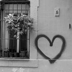 Barceloneta (pineider) Tags: barcelona spain europa heart boobs barceloneta topless cuore corazon spagnaespana barcelonetatopless