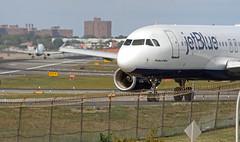 """Shades of Blue"" (Vidiot) Tags: park nyc nycpb queens airbus laguardia jetblue lga a320 320 planeview shadesofblue planeviewpark n504jb"