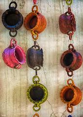 Todos menos uno (Blas Torillo) Tags: colors méxico mexico nikon ceramics crafts colores clay jugs barro artesanía cerámica jarritos professionalphotography tlaxcala fotografíaprofesional mexicanphotographers d5200 fotógrafosmexicanos nikond5200