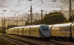 """04.10.2015 Gelsenkirchen Schalker Verein Umleiter Stellwerkbrand Mühlheim. DB 5403 511/ 5403 011 """"Wiesbaden"""" & 5403 027/ 5403 065 """"Dessau"""" und 101 088 mit IC Oberhausen (ruhrpott.sprinter) Tags: railroad 120 ice train germany u2 deutschland essen track sonnenuntergang outdoor eisenbahn zug db 64 101 111 locomotive es düsseldorf gelsenkirchen ruhr cbb 402 403 re2 oberhausen metropole 185 lokomotive 247 146 gleis schienen wanneeickel sprinter ruhrpott evg mülheim 422 0425 1428 0428 0429 808 1142 verein dispo 1266 5403 6185 mrce schalker reisezug novelis rpool re6 centralbahn pessenger ellok umleiter säuferzug transpetrol cheminlefer stellwerkbrand gesellschaftssonderzug"""