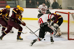20151128-DSC_3544.jpg (Sarah Reinhardt) Tags: hockey goal lakeofthewoods moundwestonka 18lee