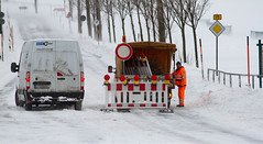 120215 Schneechaos (Bernd März) Tags: bernd berndmärz erzgebirge stalagmit 120215schneechaos schneechaos schneechaoserzgebirge schneechaosbärenstein schneeverwehungen schneeverwehungenbärenstein schneeverwehungenbärensteinb95 schneeverwehungenb95 strasenmeisterei winterdienst liegengebliebenepkw liegengebliebenepkws liegengebliebeneauto liegengebliebeneautos 150212 sehma sachsen deutschland deu
