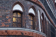 Tower (loretta_young_silks) Tags: lübeck holstentor architecture city lights window