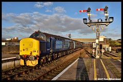 No 37419 Carl Haviland 1954-2012 11th Jan 2017 Great Yarmouth (Ian Sharman 1963) Tags: no 37419 carl haviland 19542012 11th jan 2017 great yarmouth class 37 tractor station diesel engine railway rail railways train trains loco locomotive line passenger norwich norfolk greater anglia drs direct services service short set