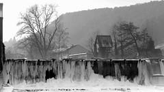 - Tauwetter am Flusskraftwerk -