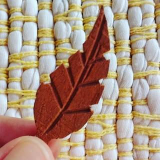Folhas de madeira, em breve, no estoque: www.elo7.com.br/osoarte #artesanal #artesanato #façavocêmesmo #folha
