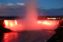 Horseshoe Falls - Niagara Falls (Ontario, Canada) (Andrea Moscato) Tags: andreamoscato canada america view vista vivid overlook water acqua river riflesso reflection fiume freshwater night notte notturno evening dark shadow light luce ombra paesaggio parco park landscape blue red yellow sky cielo nature natura nuvole natural naturale nationalpark waves vapore waterfall steam