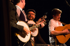Old Man Luedecke, centre, with We Banjo 3. (photo: Steve Wadden)