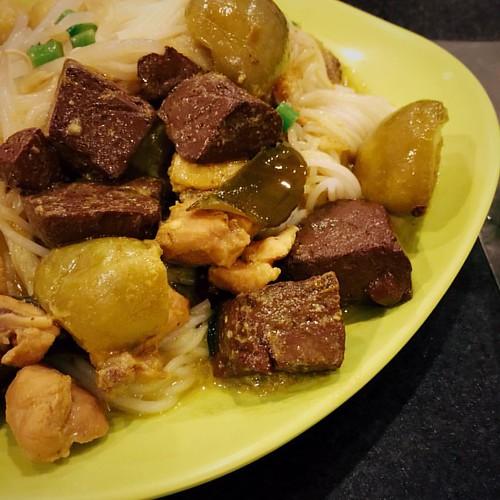 ขนมจีนแกงเขียวหวานไก่ #vscocam #ricenoodle #thaifood #centralfestivalchiangmai #greencurry #chiangmai #thailand