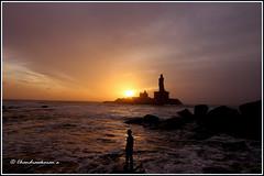 5537 - sunrise at Kanyakumari (chandrasekaran a 34 lakhs views Thanks to all) Tags: sea india saint statue sunrise tamilnadu philosopher kanyakumari thiruvalluvar bayofbengal vivekananda tamils vivekanandarock thirukural tokina1116mm canoneos760d