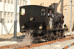 Dampflokomotive Ed 3/4 11 der LHB Langenthal - Huttwil - Bahn ( Baujahr 1904 - Hersteller SLM Nr. 1904 ) am Bahnhof Huttwil im Oberaargau im Kanton Bern der Schweiz (chrchr_75) Tags: chriguhurnibluemail ch christoph hurni chrchr chrchr75 chrigu chriguhurni oktober 2015 albumzzz201510oktober albumbahnenderschweiz2015712 eisenbahn bahn schweizer bahnen dampflokomotive dampfmaschine dampflok locomotora vapor  vapeur steam vapore  stoomlocomotief albumdampflokomotiveninderschweiz chriguhurnibluemailch albumbahnenderschweiz zug train juna zoug trainen tog tren  lokomotive lok lokomotiv locomotief locomotiva locomotive railway rautatie chemin de fer ferrovia  spoorweg  centralstation ferroviaria