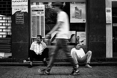 (Yassine_Hakimi) Tags: street people blackandwhite tunisia sony tunis rx1