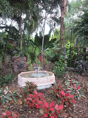 Key West Garden Club at West Martello Tower - Fountain (escriteur) Tags: fountain gate florida fort keywest banyan banyantree scuptures img5073 westmartellotower joeallengardencenter westmartello keywestgardenclub fortwestmartello westmartellofort