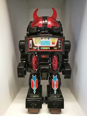 This is a classic toy,because this robot was in my generation of childhood (Alfred Life) Tags: 初四 robot 太子馥 home 家 taiwan 台灣 qingpu 青埔 徠卡 華為 华为 summarit asph leica leicaduallenses summarith12227asph plus p9 huawei huaweip9plus summarith12227 徕卡 p9p