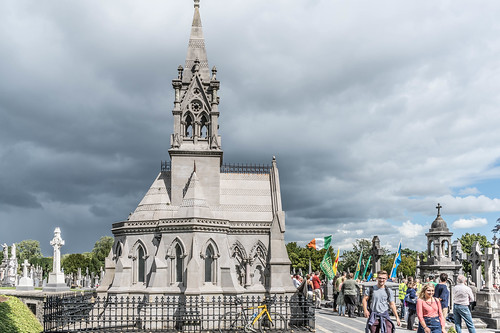 GLASNEVIN CEMETERY [MY FIRST DAY USING THE NEW SONY A7RMkII] REF-107431
