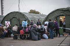 2015_09_24_Manu_01 (Fotomovimiento) Tags: europe hungary refugees serbia border sid croatia frontera hungria croacia ong ngo refugiados bapska acnur tovarnik refugeecrisis refugeeswelcome fotomovimiento fotoactivismo opatovac